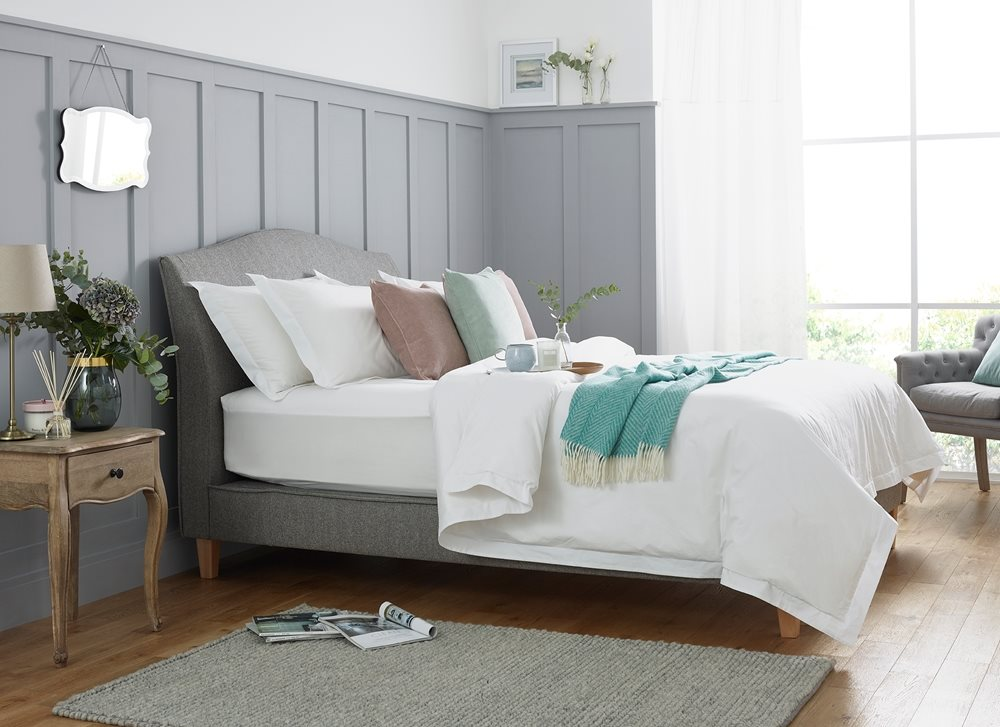 WoolRoom Isabella bed & bedding